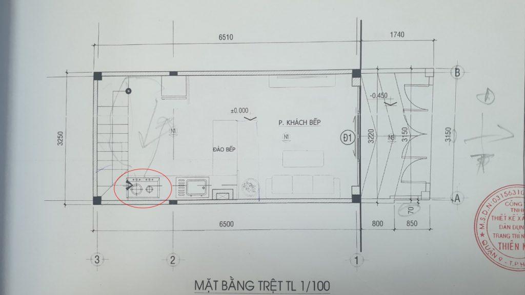 lỗi phong thủy trong thiết kế phòng bếp nhà ống.